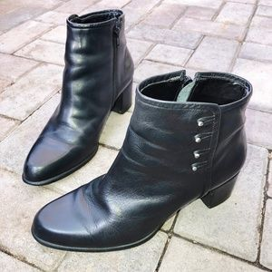 Naturalizer vintage style button booties